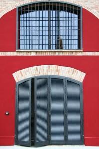 Inferriata in metallo Ferrarini montate su una finestra